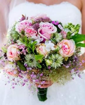 Bride kit, ad ogni sposa il suo bouquet
