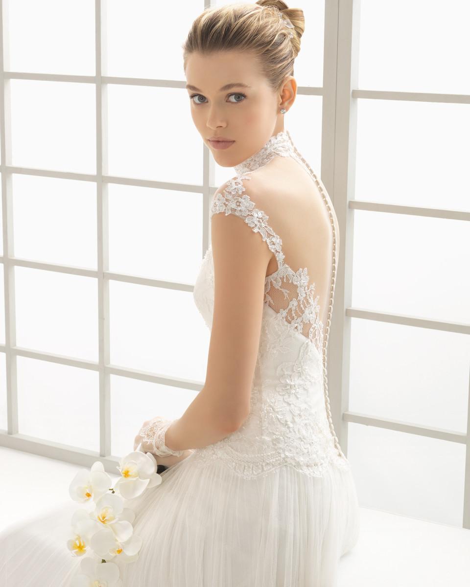 be12f853b29 Un assaggio della splendida collezione di abiti da sposa 2016 firmata Rosa  Clará con una linea principale e due più piccole ed esclusive
