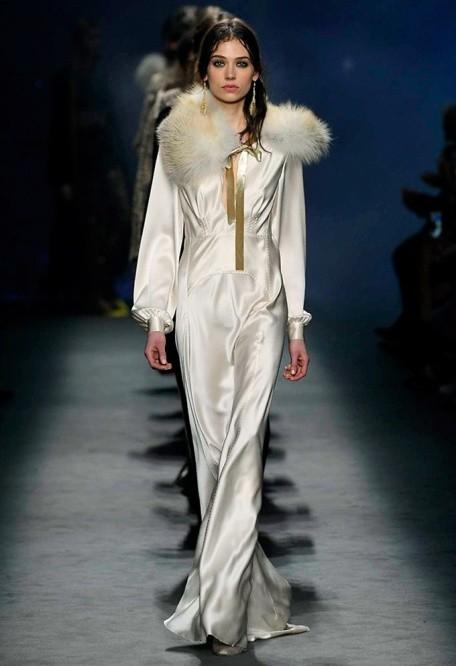 official photos e4faa 8a327 Milano Moda Donna, la collezione A/I 2017 di Alberta ...