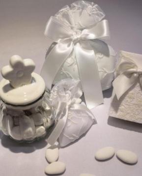 Confetti e bomboniere, alcune idee per un matrimonio di gusto
