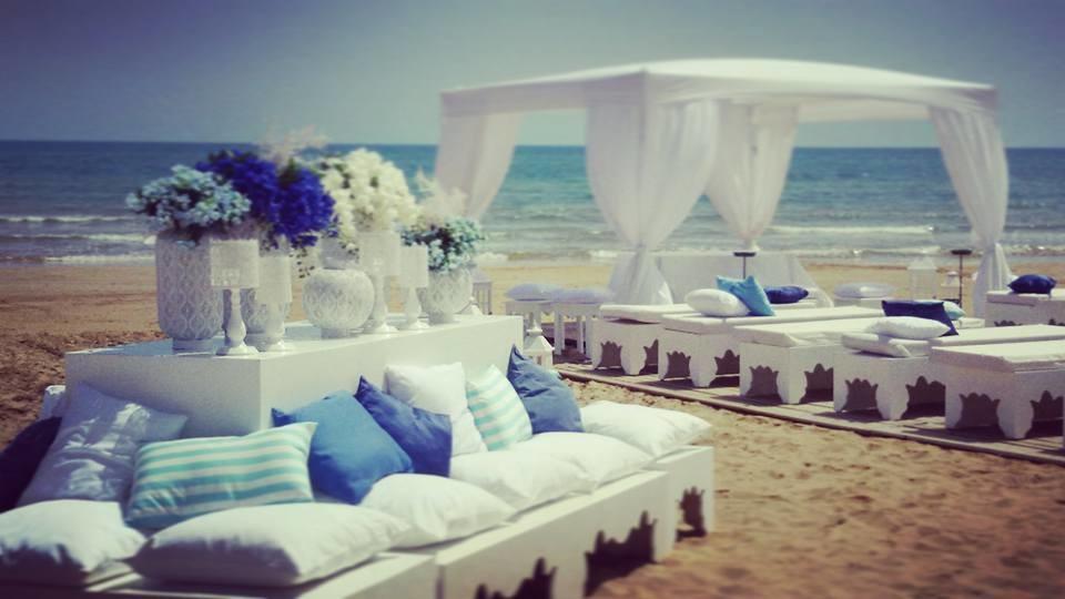 Matrimonio In Spiaggia Immagini : Atmosfere arabe per le prime nozze sulla spiaggia di pozzallo