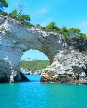 Puglia, viaggio tra buon cibo e posti da sogno