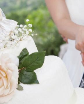Torta nuziale con fiori: alcune idee originali