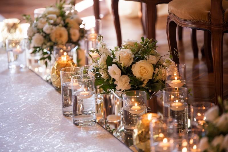 Tema Matrimonio Candele E Lanterne : Simona e valerio un «sì» che risuona al tintinnio dei cristalli