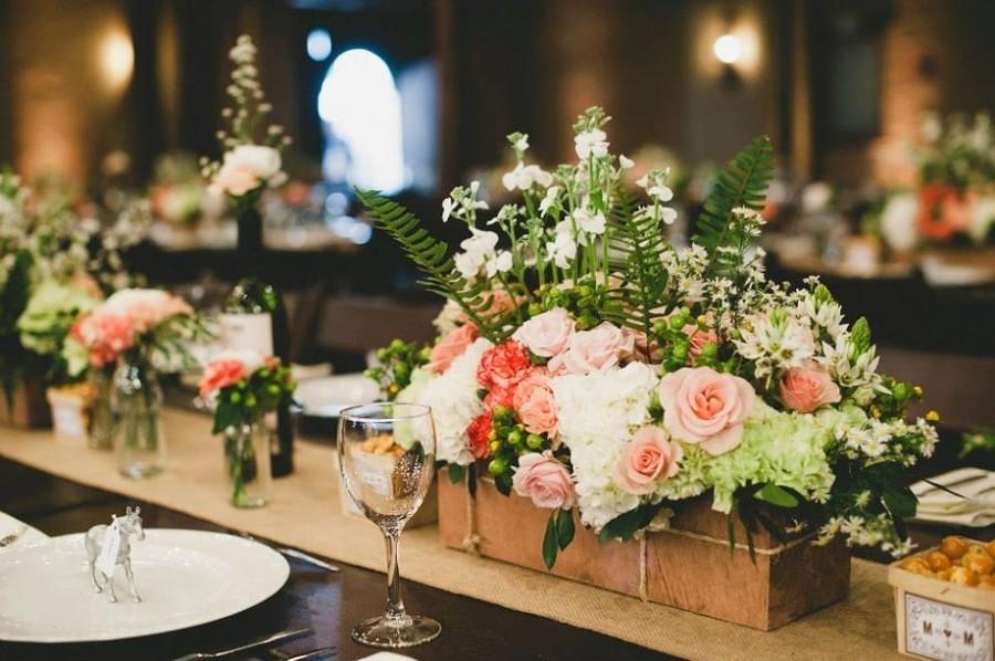 Addobbi Floreali Matrimonio Rustico : Tavoli da matrimonio: idee per decorazioni originali sposi magazine
