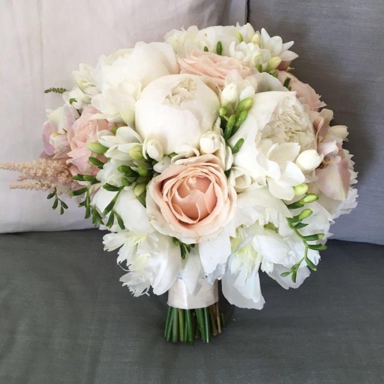 Bouquet Sposa Estate 2018.Bouquet Sposa Un Intreccio Di Amore E Arte Sposi Magazine