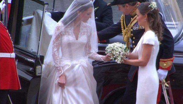 kate-nel-giorno-del-suo-matrimonio-con-sua-sorella-pippa