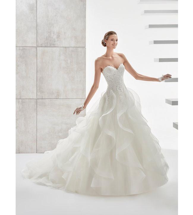 Conosciuto Con le ruches l'abito da sposa si fa scultura - Sposi Magazine VE76