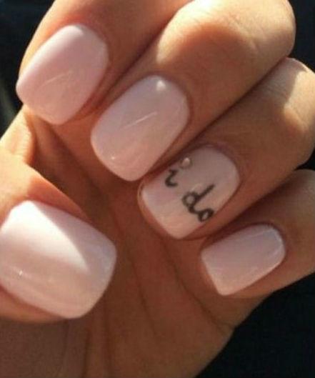 nail-art-con-scritta