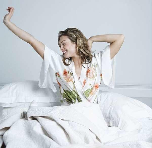 dormire-a-lungo-fa-bene-alla-pelle