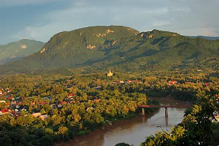 Laos - Il fiume Mekong sopranominato madre delle acque