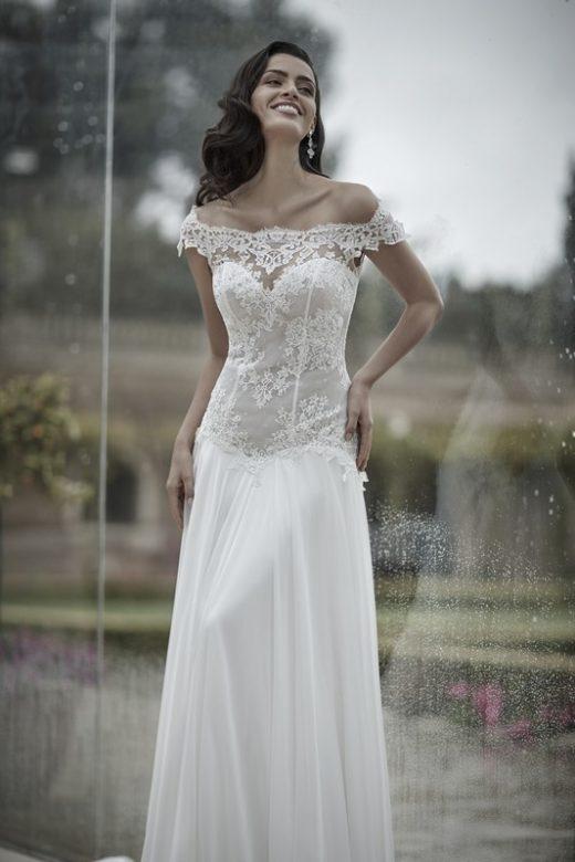 La tradizione vuole che il bouquet della sposa debba essere comprato dal  futuro marito 1e17998cdd6