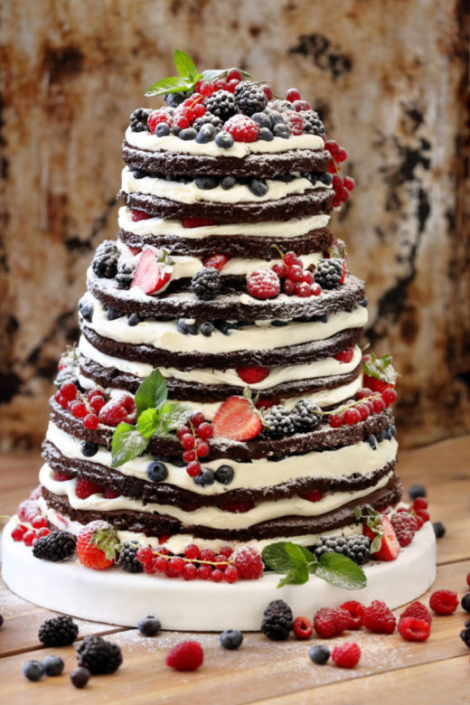 Wedding rustic naked cake with fruits