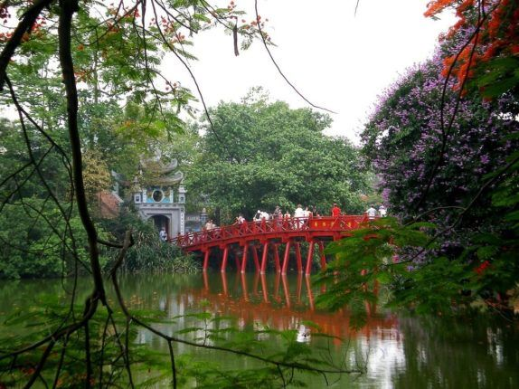 Hanoi-the-huc-bridge-Vietnam