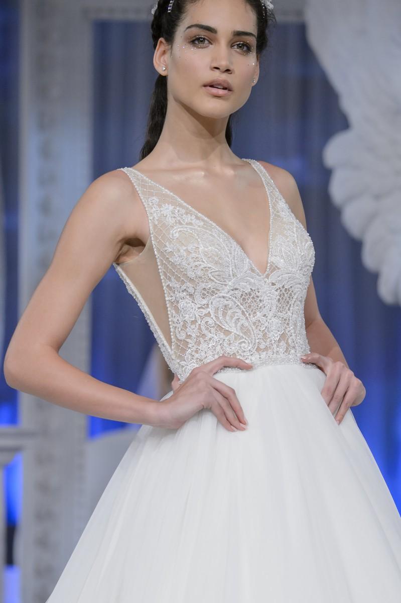 La presentazione a Roma  Rocío Muñoz Morales è testimonial di Couture Alessandra  Rinaudo. La presentazione delle collezioni sposa e cerimonia 2018 ... ff493861342