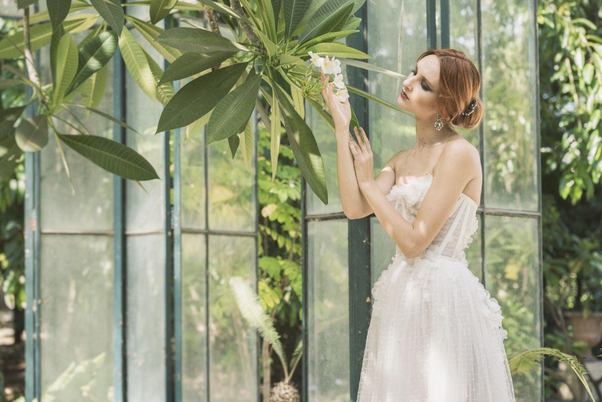 Uno degli abiti da sposa More 2018 della collezione Plumeria - Photo Credits IRIDE Work in Pixel - Luca Savettiere