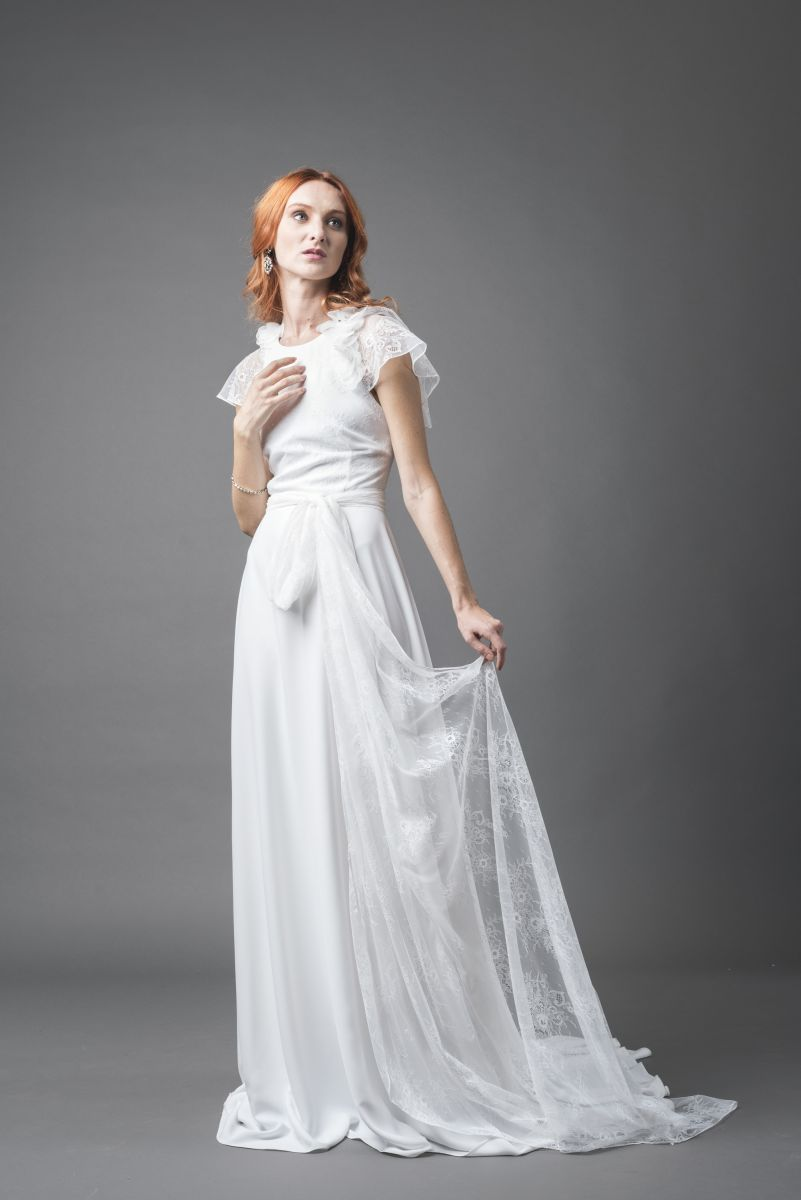 Tessuti leggeri e linee scivolate negli abiti da sposa More 2018 - Photo Credits: IRIDE Work in Pixel - Luca Savettiere