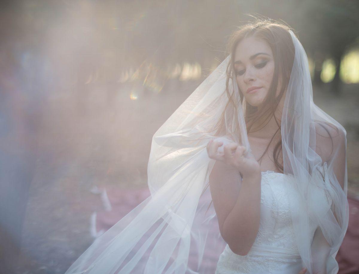 In anteprima il modello Zagara, uno degli abiti da sposa Rosa Alessi 2018 della nuova collezione Acqualmare
