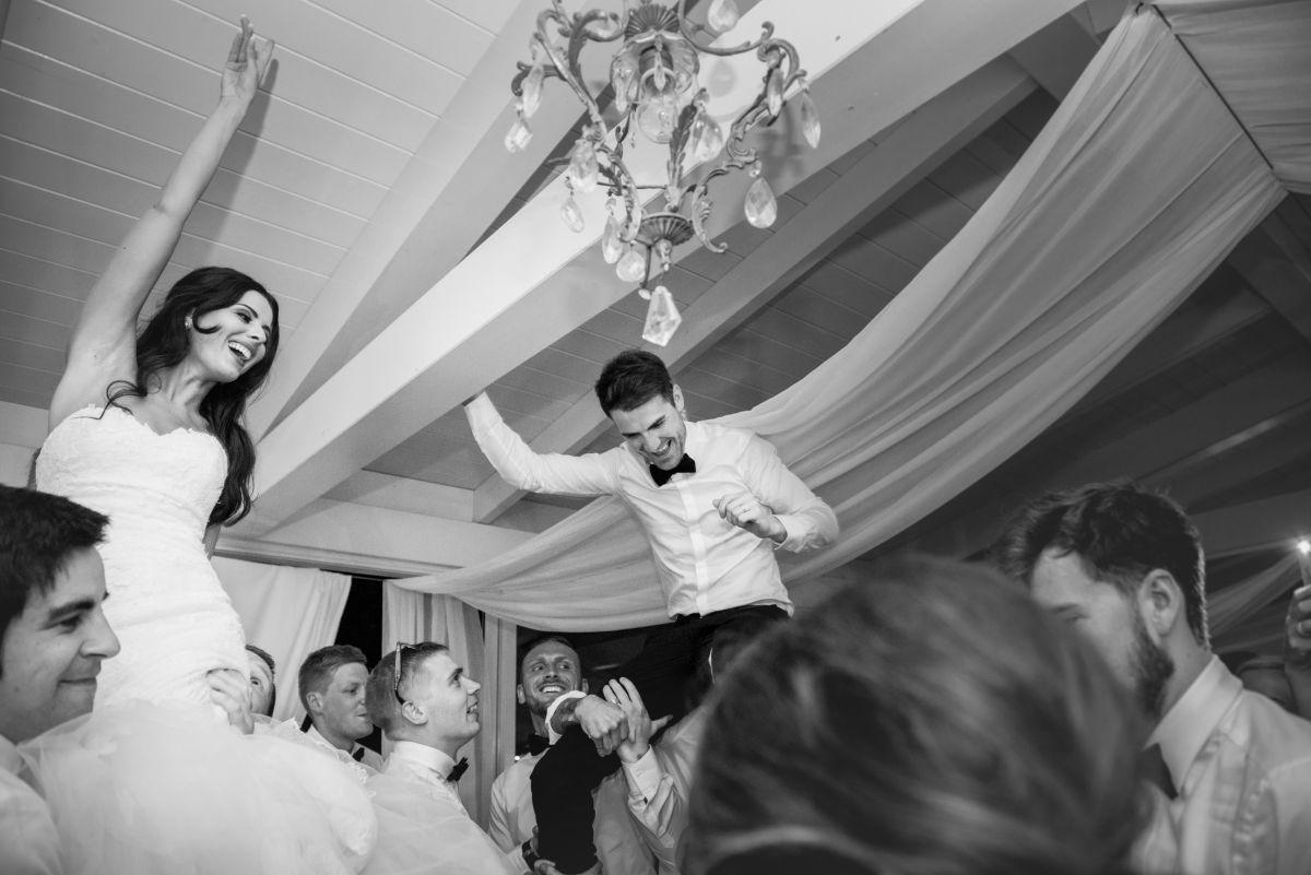 Matrimonio in un castello, le nozze glamour di Natalie e Terry