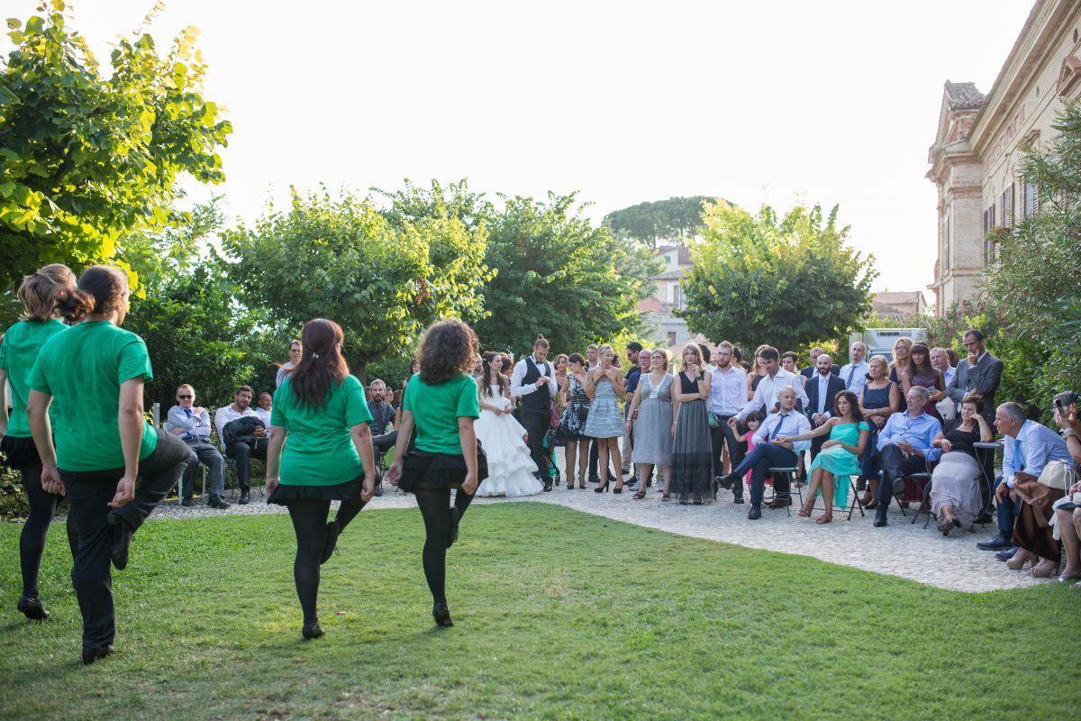 Balli e musica irlandesi la matrimonio in stile medievale di Jessica e Lorenzo