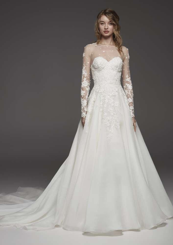 newest 8b637 95c09 Collezione Pronovias 2019, in anteprima i nuovi abiti da sposa