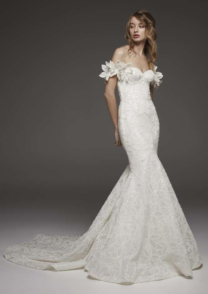 newest dc4f1 33272 Collezione Pronovias 2019, in anteprima i nuovi abiti da sposa