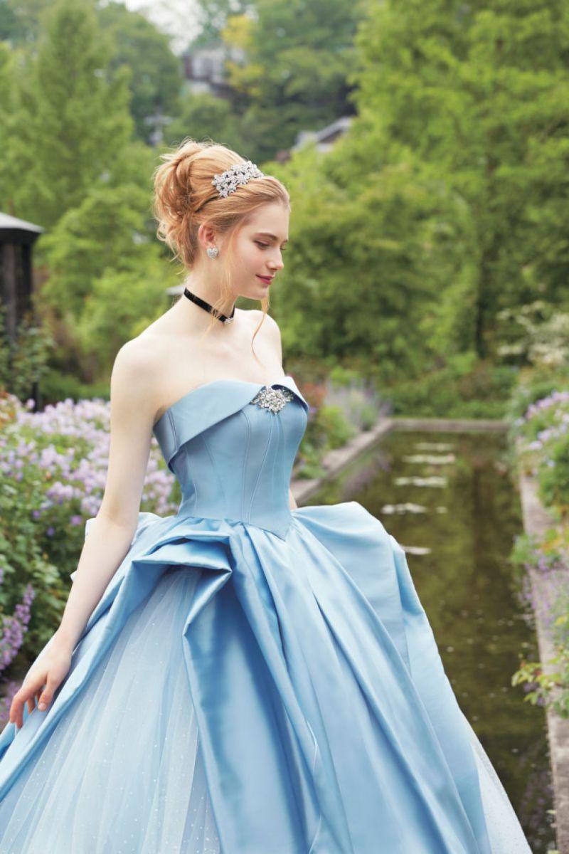Tra gli abiti da sposa ispirati alle principesse Disney, c'è anche quello di Cenerentola