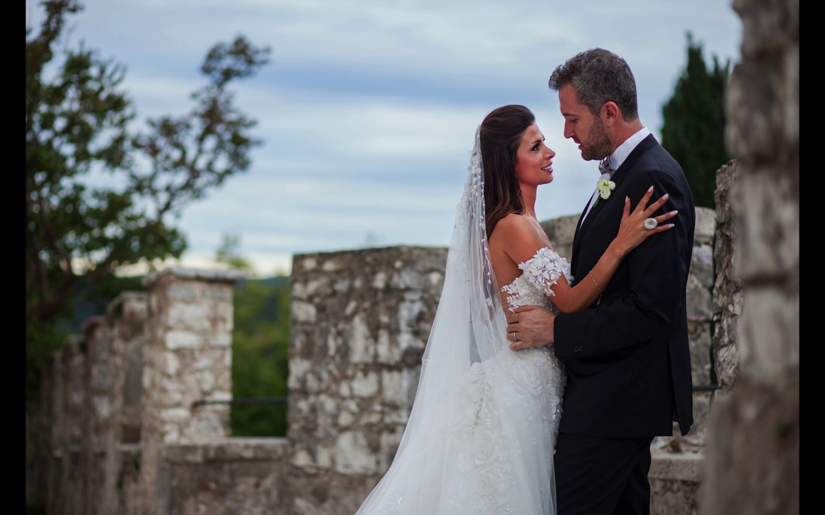 """Miriam e Wadih, giovani sposi libanesi, si sono detti """"Sì"""" a Castelbrando a Cison di Valmarino (Treviso)"""