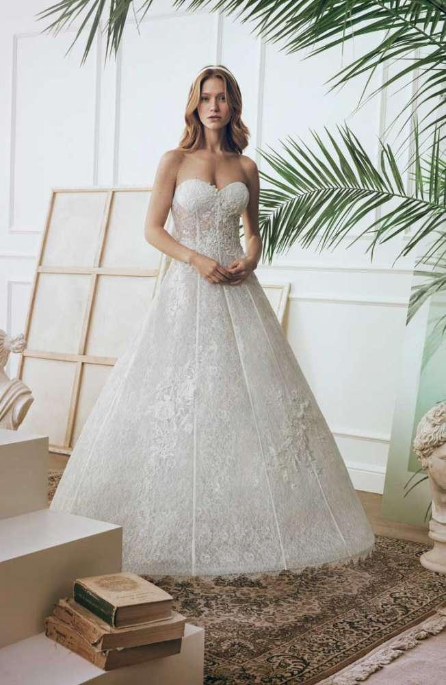 9dca762bfb2d Uno dei modelli della collezione di abiti da sposa Bellantuono 2018