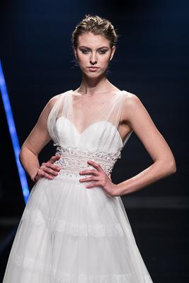 f9be6ff48a Abiti da sposa Blumarine 2019, romanticismo senza tempo
