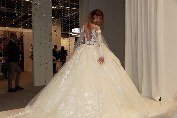 abiti da sposa amelia casablanca 2019 ... ea19efeb8bd6