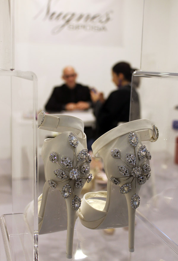 Scarpe Sposa Trani.Nugnes Sposa Nel 2019 Il Grande Ritorno Dei Modelli A Punta