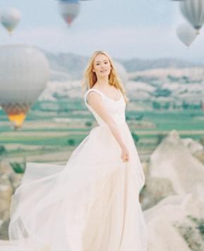Truvelle 2018, abiti freschi e leggeri per giovani spose