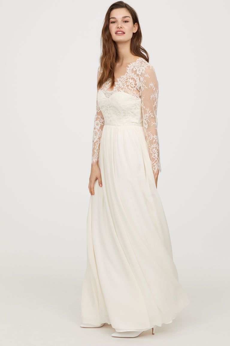 9088d17d1b83 Acquisto online o noleggio  Le nuove frontiere del vestito da sposa