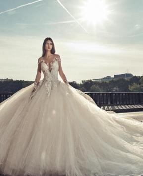 Julia Kontogruni, abiti da sposa per tutti i corpi e ogni stile