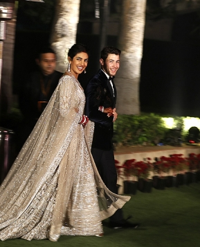 Matrimonio Priyanka Chopra e Nick Jonas: nozze stile Bollywood e due abiti da sposa