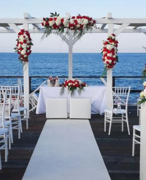 Luisa Mascolino presenta le nozze in riva al mare di Francesca e Massimo