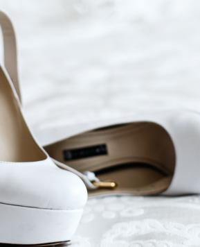 Scarpe da sposa con plateau, tutto ciò che devi sapere per indossarle