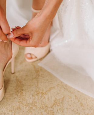 Sandali da sposa, l'eleganza ai piedi