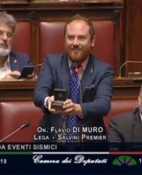 "Proposta matrimonio in Parlamento, il deputato leghista: ""Elisa, mi sposi?"""