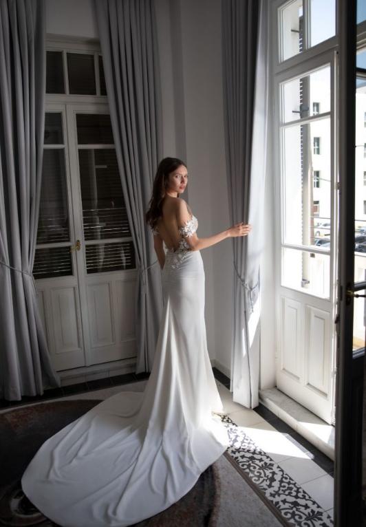 Abiti da sposa Julie Vino 2020