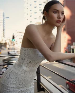Abiti da sposa Julie Vino 2020, stile classico e tocco moderno