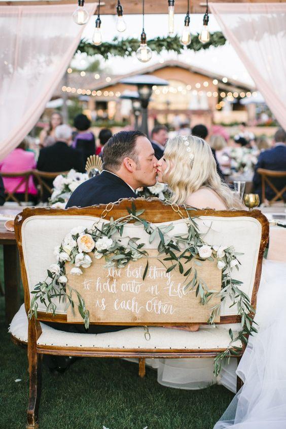 Decorazioni floreali tavolo sposi
