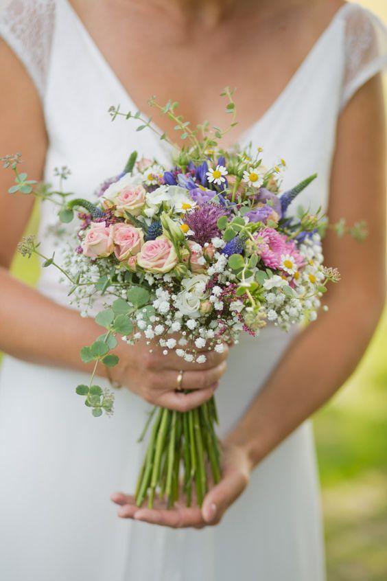 Bouquet Sposa Fiori Campo.Bouquet Della Sposa 10 Idee E 45 Foto Per Ogni Stagione