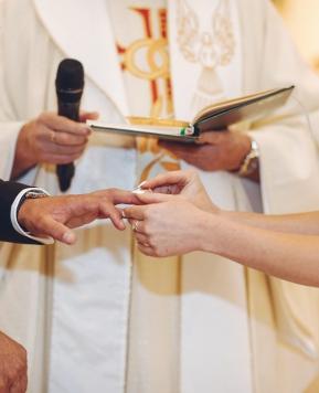 Coronavirus, nella Fase 2 sì ai matrimoni in Chiesa con gli invitati