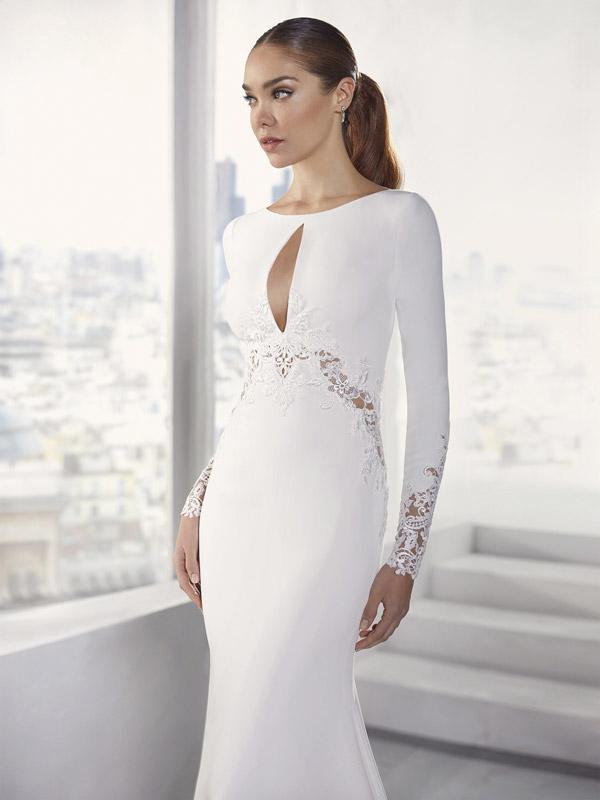 In foto un vestito da sposa Nicole Jolies 2021