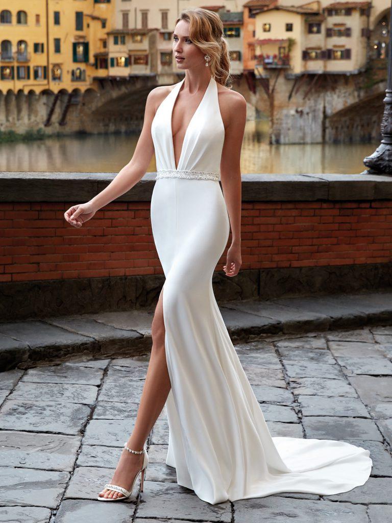 Nella foto un vestito sirena di Nicole Milano 2021