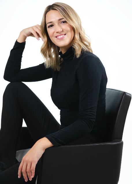In questa foto Nicole Cavallo, direttore creativo di Nicole Milano