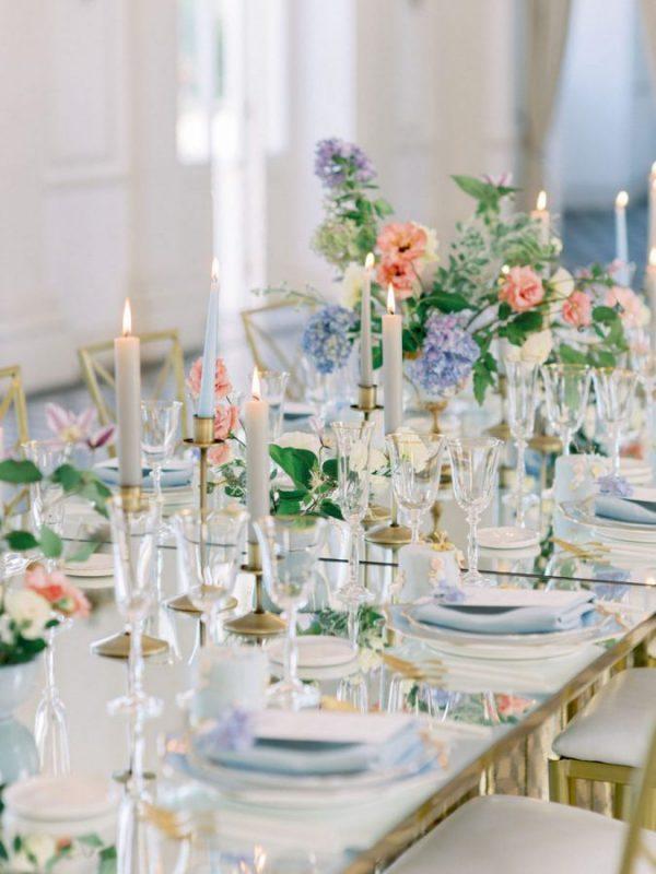 In questa foto un tavolo nuziale allestito per l'occasione dalla Wedding Planner Angela Bartolomeo