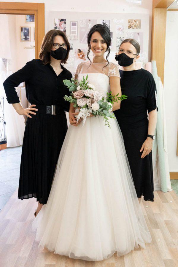 Le stiliste di Couture Hayez con la futura sposa Martina